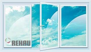 трехстворчатое окно Rehau